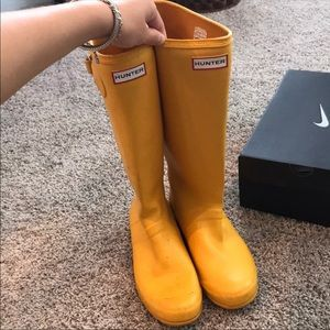 Yellow hunter boots!